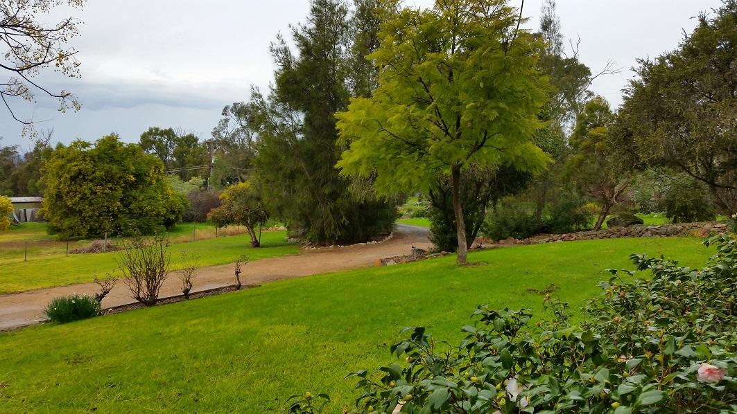 Glenrowan garden S